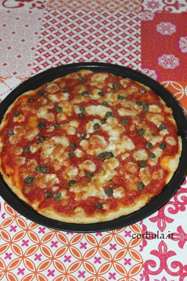Pizza Margherita tonda, fatta in casa