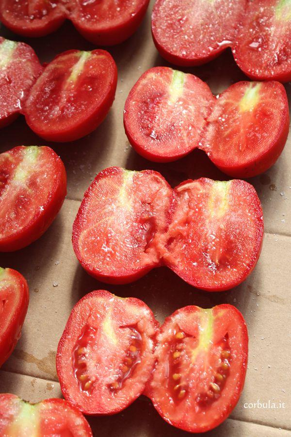 Come fare i pomodori secchi: procedura e conservazione